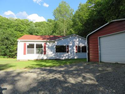 Photo of 1082 Campsite Rd, Thompson, PA 18465