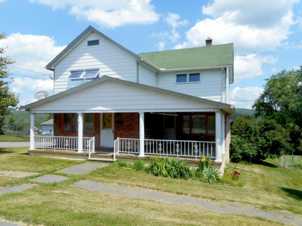 828 Susquehanna St, Forest City, PA 18421