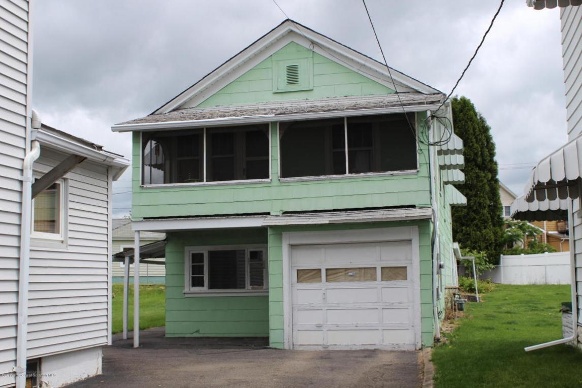1130 R Myers St, Peckville, PA 18452