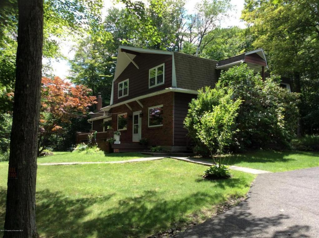200 Forest Dr, Roaring Brook Twp, PA 18444