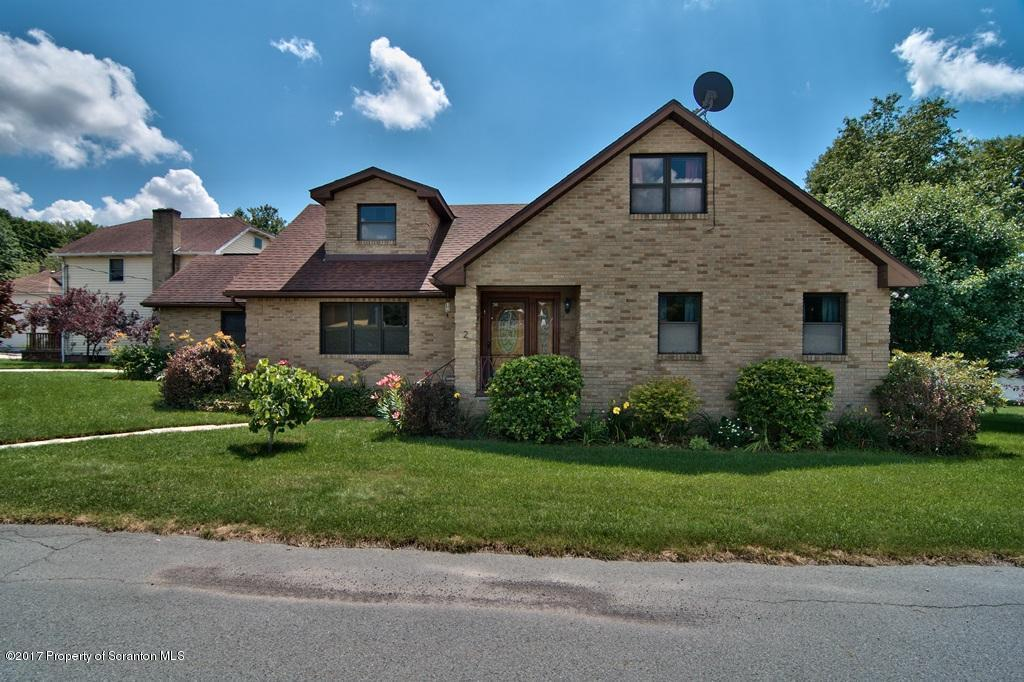 2 Lord St, Simpson, PA 18407