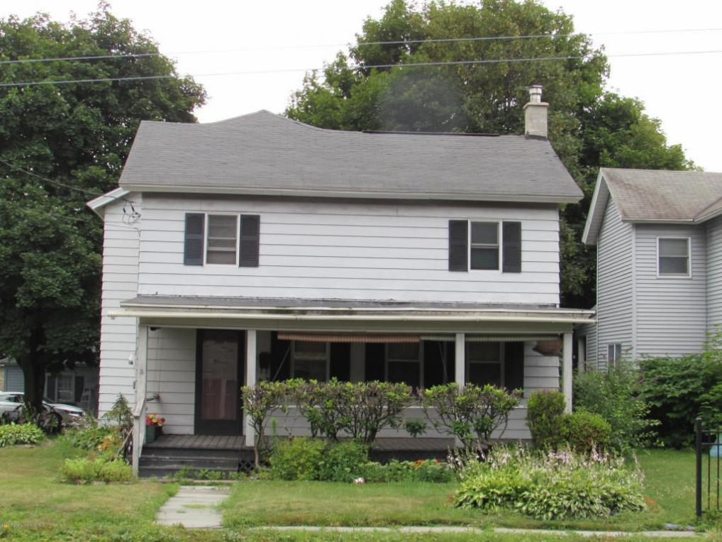 206 Main St, Blakely, PA 18447