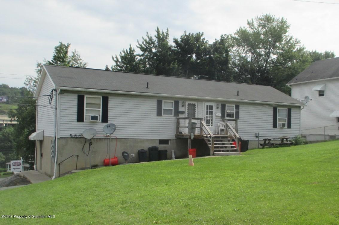 202 Erie St, Dunmore, PA 18510