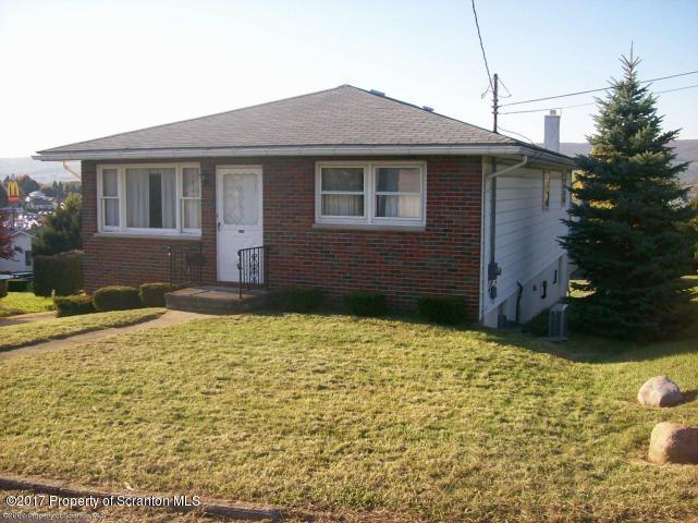 3358 Kearney Ct, Moosic, PA 18507