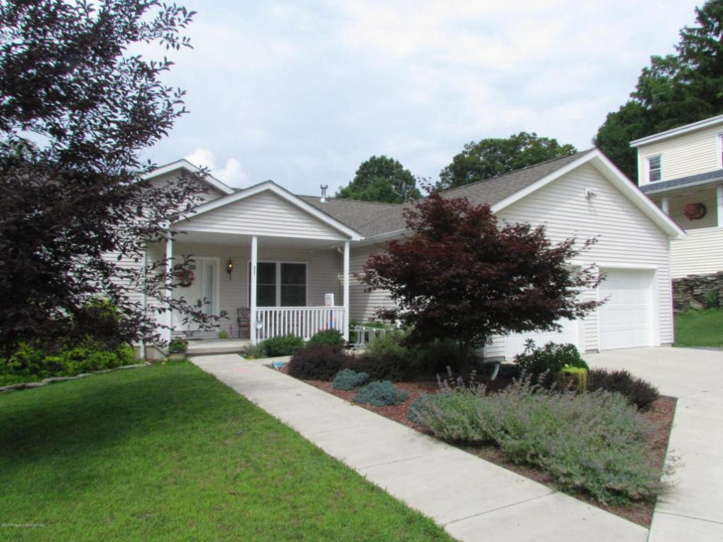 421 Columbia Ave, Clarks Summit, PA 18411
