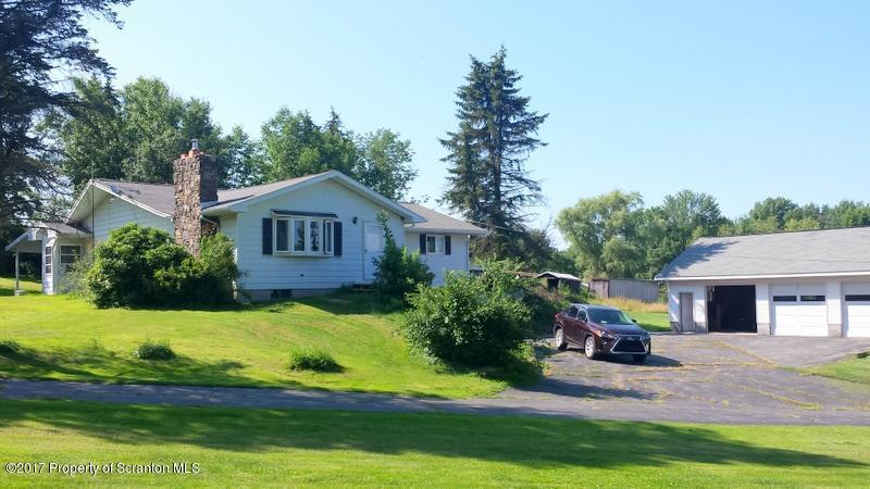 159 Decker Road, Greenfield Twp, PA 18407