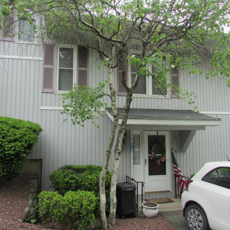 42 Abington Gardens, South Abington Twp, PA 18411