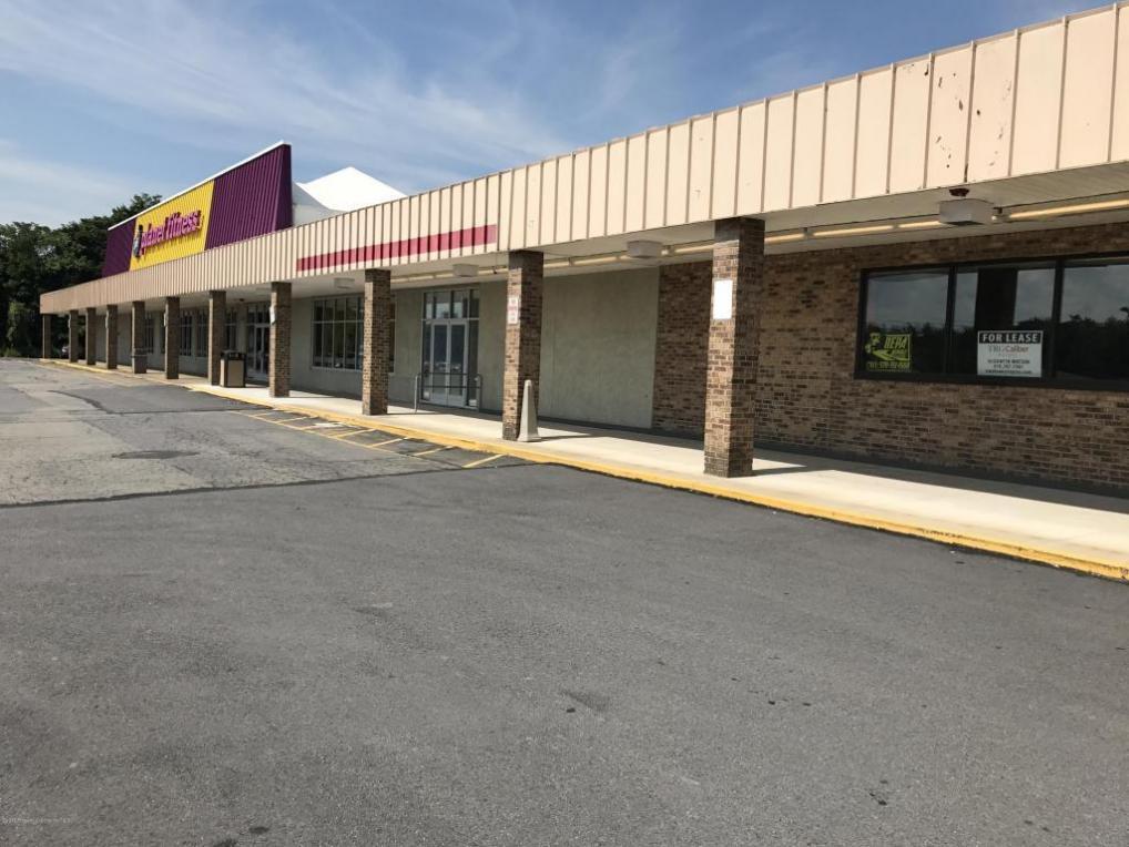 1531 N Main St, Peckville, PA 18452
