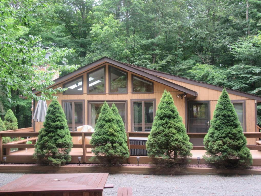 86 Mildred Dr, Gouldsboro, PA 18424