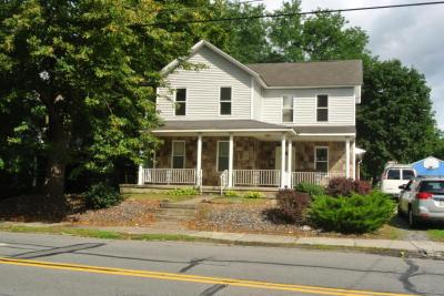 Photo of 215 Main St, Moosic, PA 18507