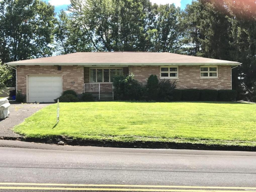 402 Kennedy Dr, Archbald, PA 18403