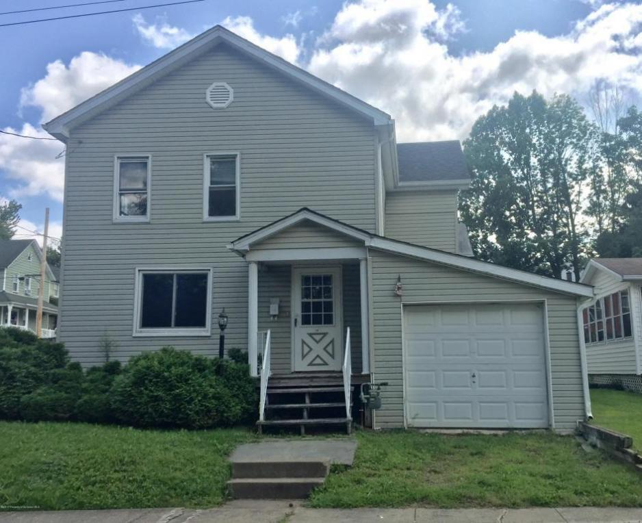 38 Cemetery St, Carbondale, PA 18407