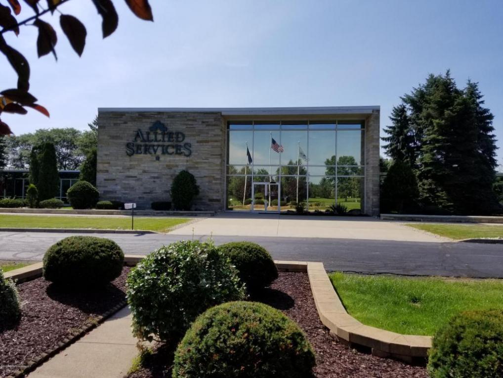3 Abington Executive Rd, Clarks Summit, PA 18411