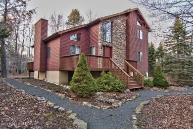 6 Bass Ct, Gouldsboro, PA 18424