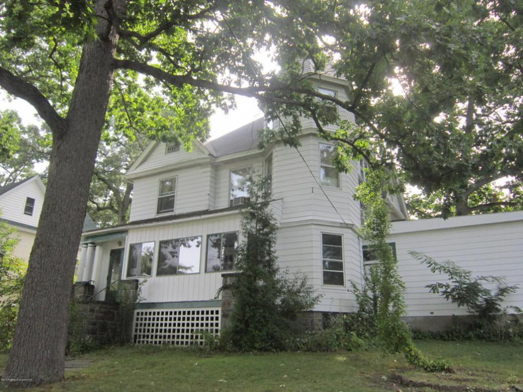 1700 Madison Ave, Dunmore, PA 18509