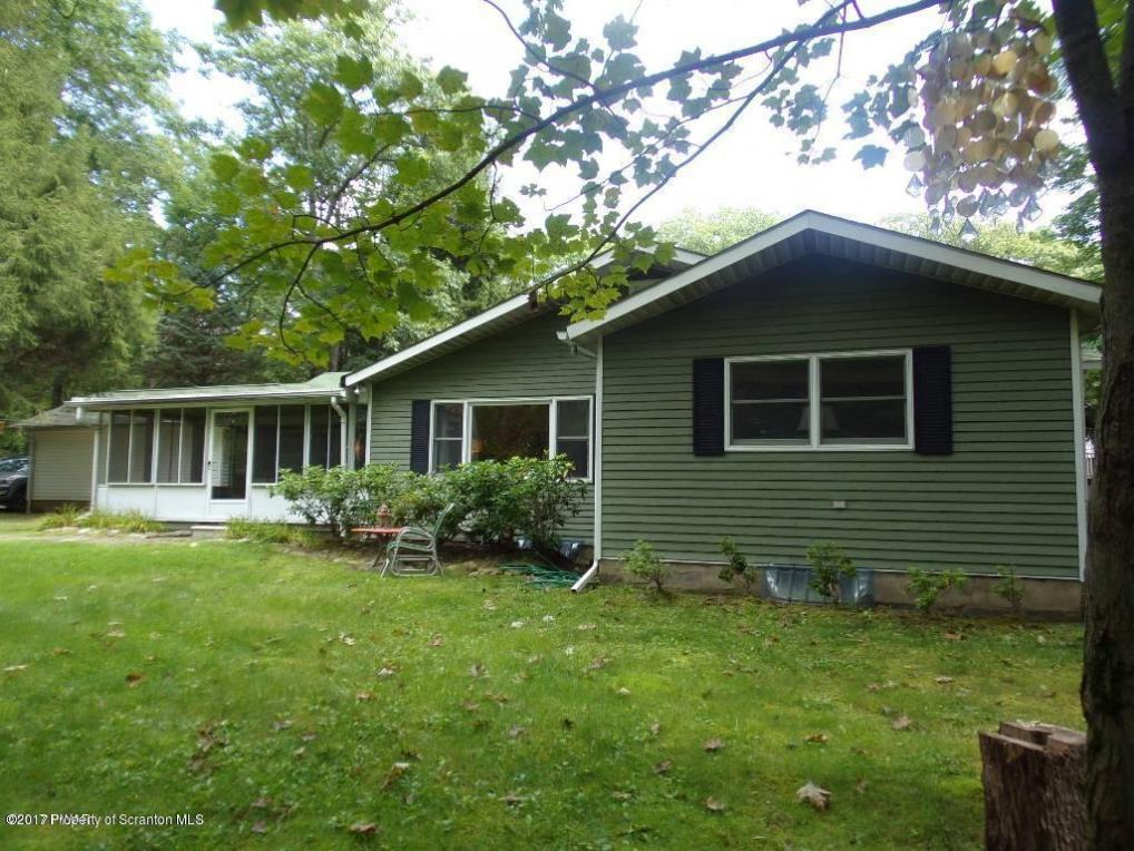 29 Oak Rd, Jefferson Twp, PA 18436