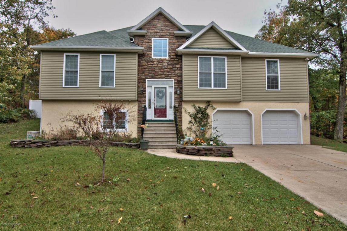 1321 Charles Rd, Jefferson Twp, PA 18436