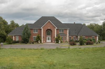 Photo of 796 Easton Turnpike, Lake Ariel, PA 18436