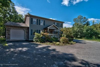 Photo of 4001 Pond View Dr, Scott Twp, PA 18411