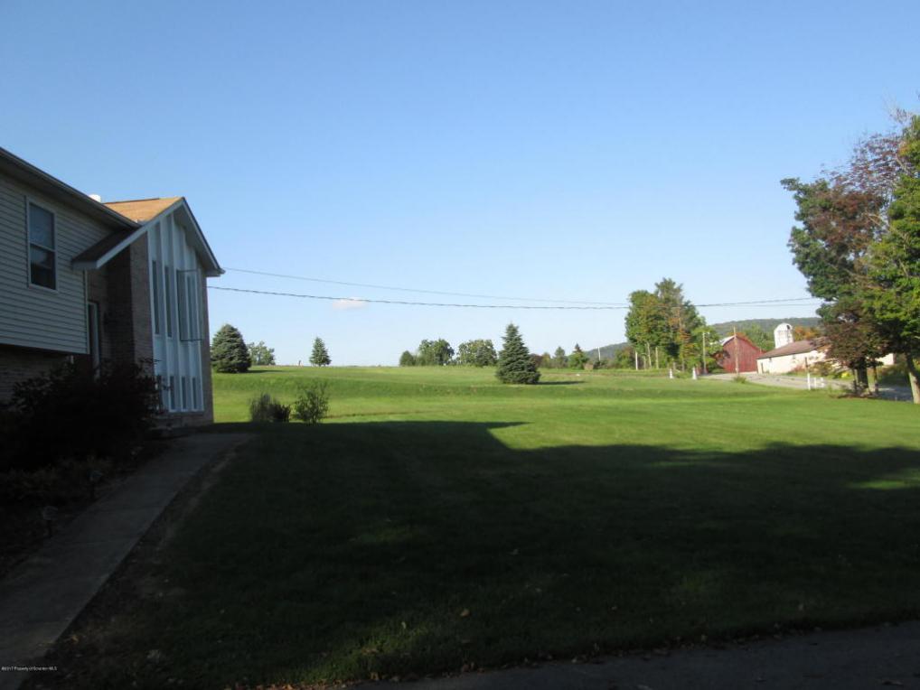 898 Dickinson Road, Dalton, PA 18414