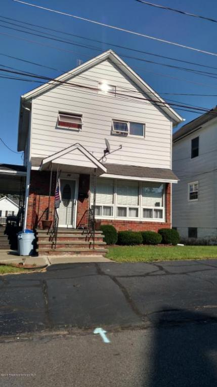 10 Green St, Carbondale, PA 18407