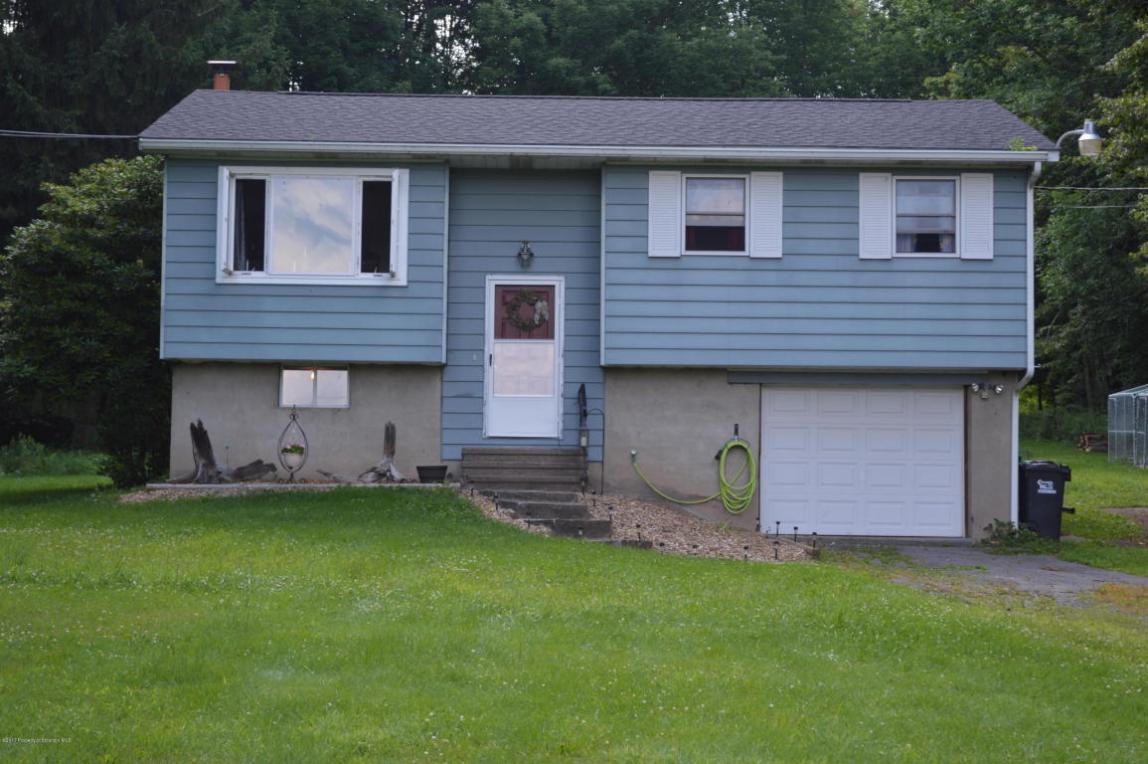 1037 Swoyer Rd, Lake Ariel, PA 18436