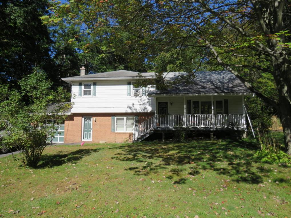 608 Meadow Ln, Clarks Summit, PA 18411