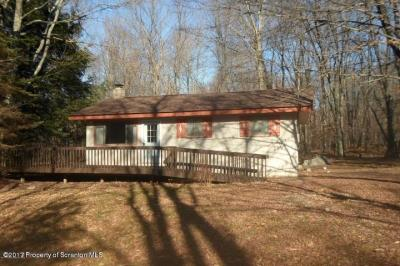 Photo of 140 S Lehigh River Dr, Gouldsboro, PA 18424