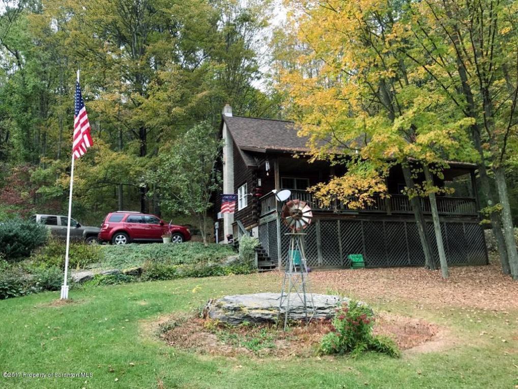 10 Benson Hollow Ln, Tunkhannock, PA 18657