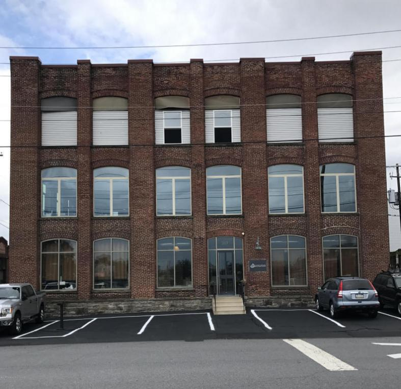 317 Poplar St, Scranton, PA 18509