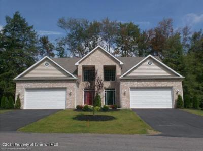 Photo of 37 Pine Tree Dr, Gouldsboro, PA 18424
