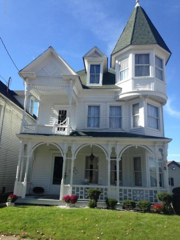 157 Spring St, Carbondale, PA 18407