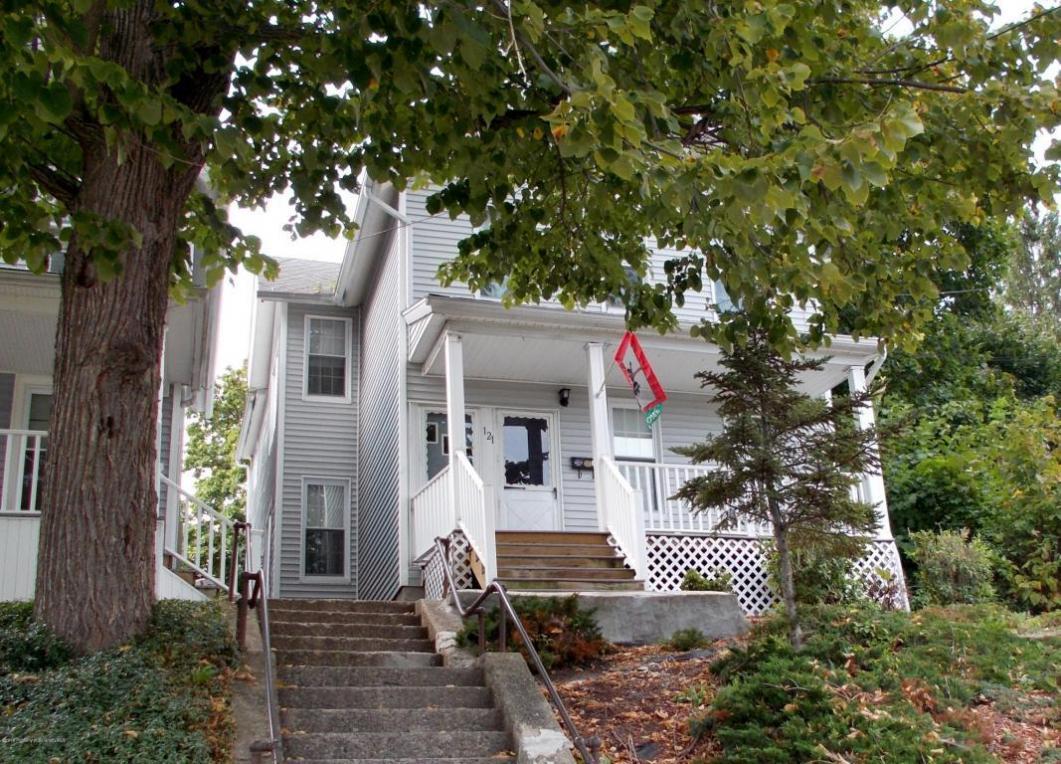 121 N Bromley Ave, Scranton, PA 18504