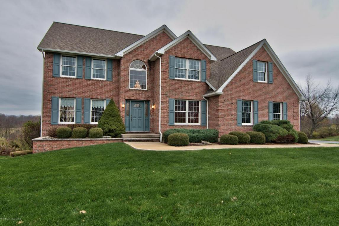 101 Rocky Knoll Dr, North Abington Twp, PA 18414