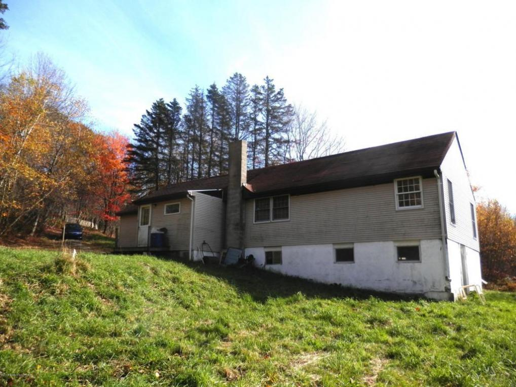 71 Elk View Dr, Clifford Twp, PA 18421