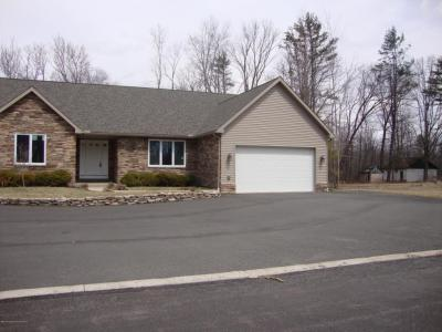 Photo of 117 Victor Dr, Jefferson Twp, PA 18436