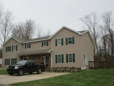 Photo of 4014 Pond View Dr, Clarks Summit, PA 18411