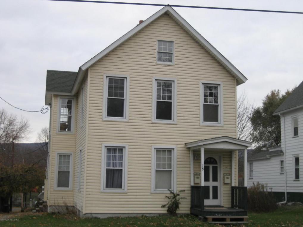 15 Belmont St, Carbondale, PA 18407