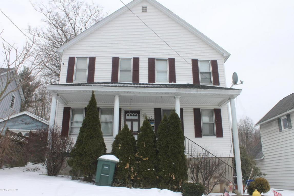 140 Dimmick St, Throop, PA 18512