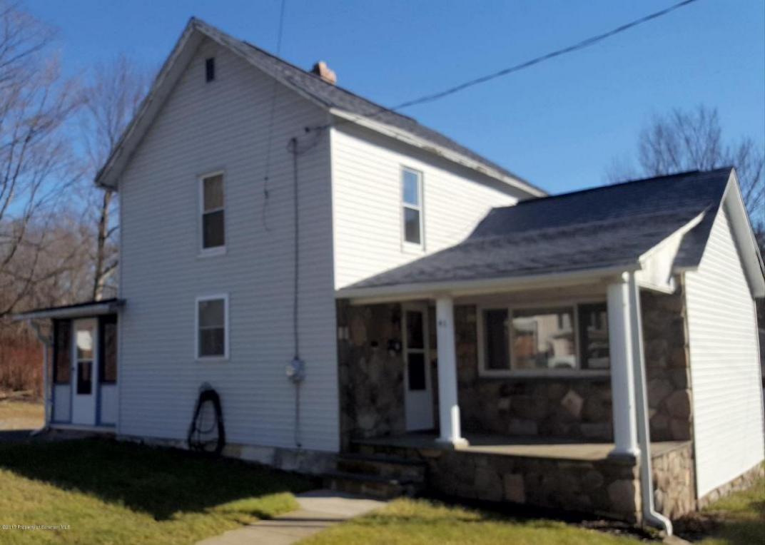 41 Mccabe Ave, Carbondale, PA 18407