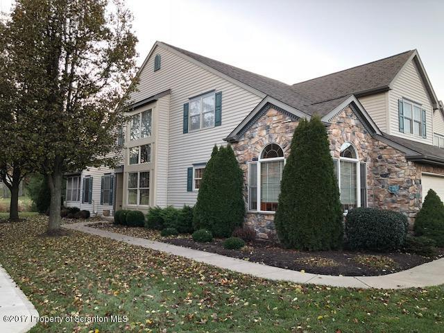 20 Hedge Row Run, Clarks Summit, PA 18411