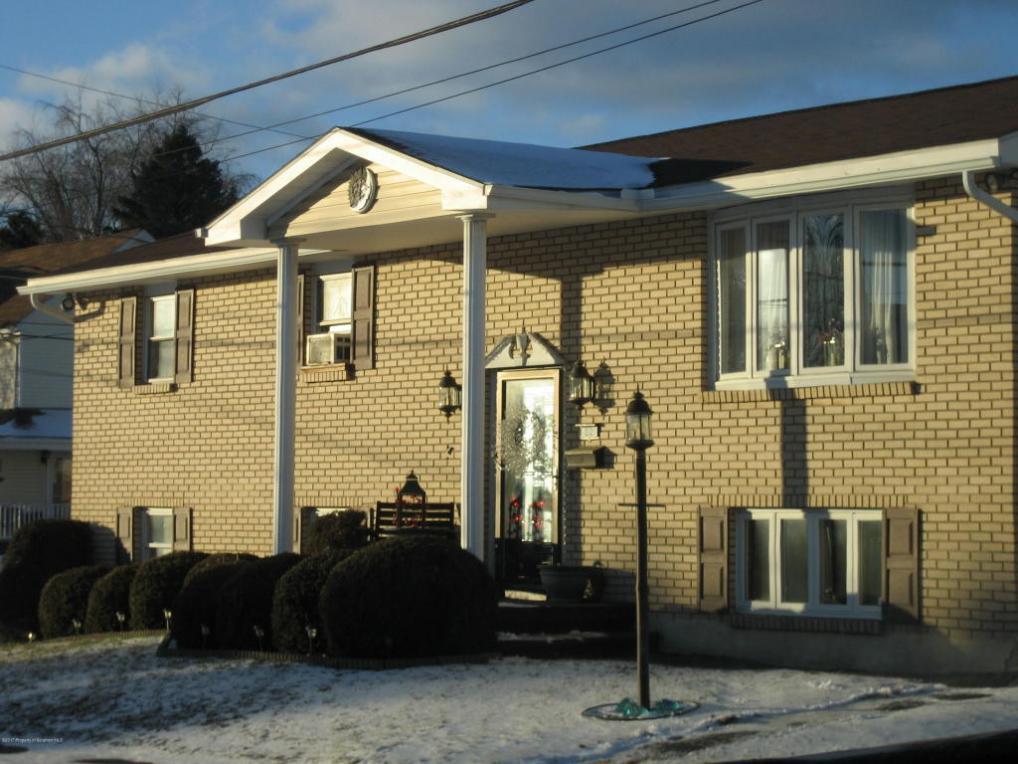 22 41st St, Carbondale, PA 18407