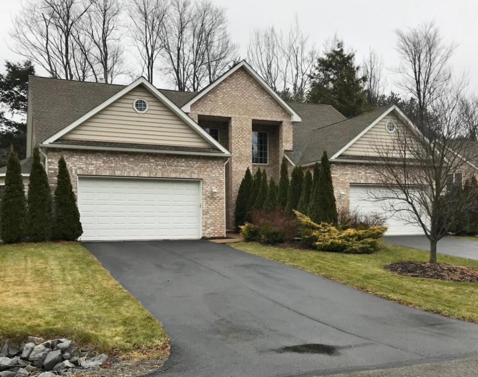 37 Pine Tree Dr, Covington Twp, PA 18424