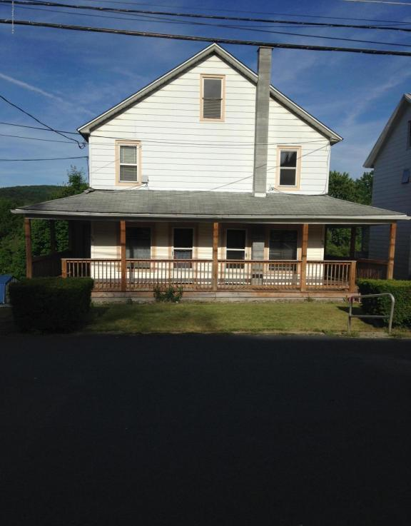 604 606 Railroad St, Forest City, PA 18421
