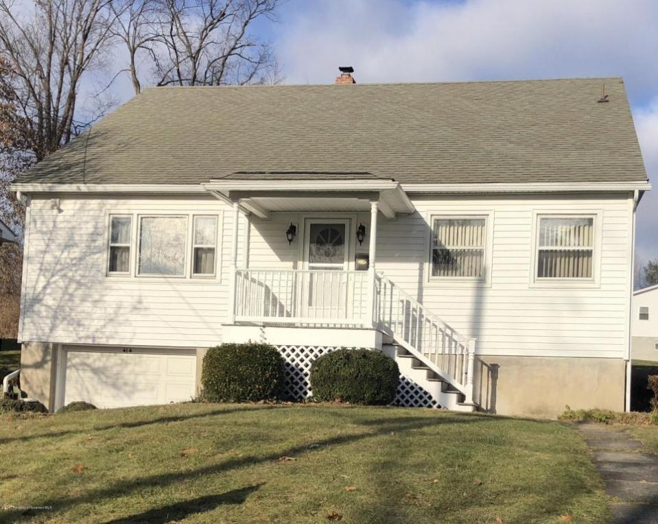 414 Grand Ave, Clarks Summit, PA 18411