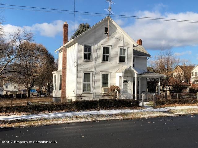 1323 Adams Ave, Dunmore, PA 18509