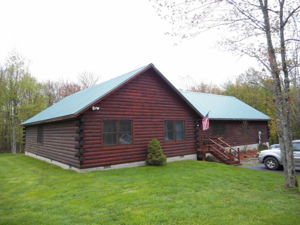 161 Murnin Rd, Lake Ariel, PA 18436