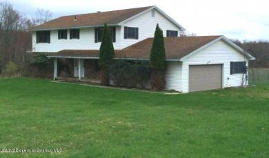 125 Private Dr, Moscow, PA 18444