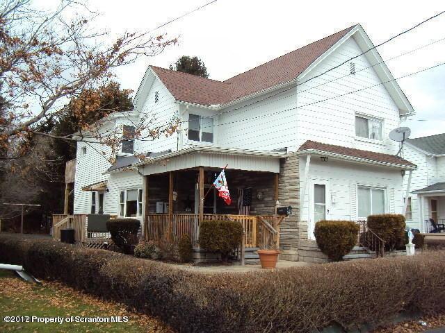 420 Hickory St, Peckville, PA 18452