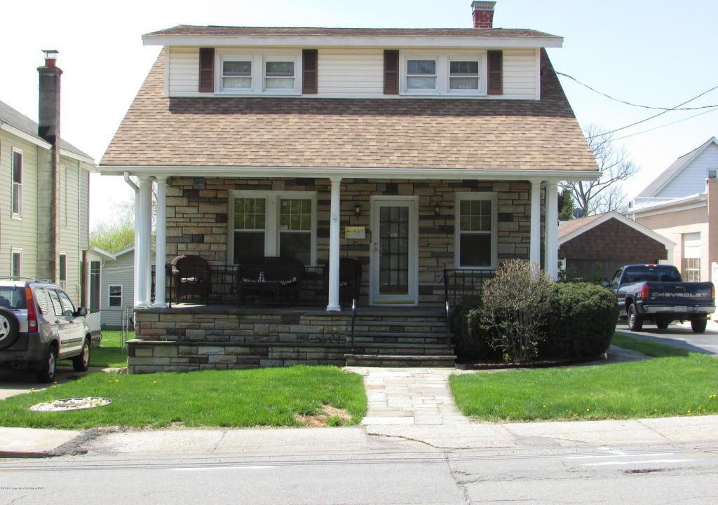 625 Keystone Ave, Peckville, PA 18452